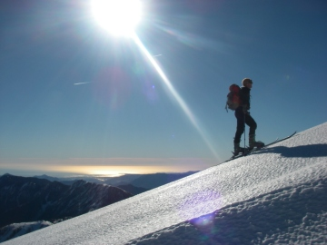 Ski de randonnée face à la mer au mont pépoiri
