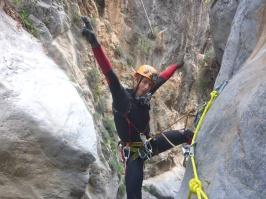 arvi canyon en haut de la cascade de 80m heureux d'être là!!